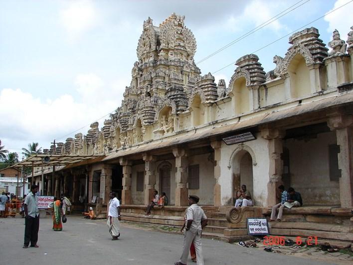 Cheluvaraya Swamy temple, Melukote