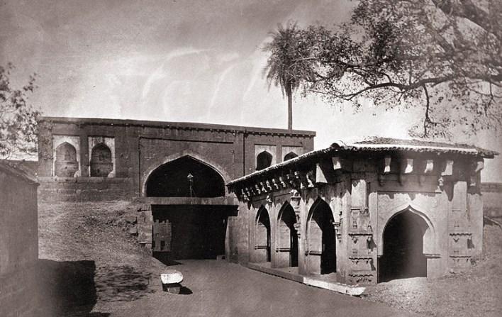 Belgaum Fort. Source http://en.wikipedia.org/wiki/File:General_view_of_the_gateway_of_the_fort,_Belgaum.jpg