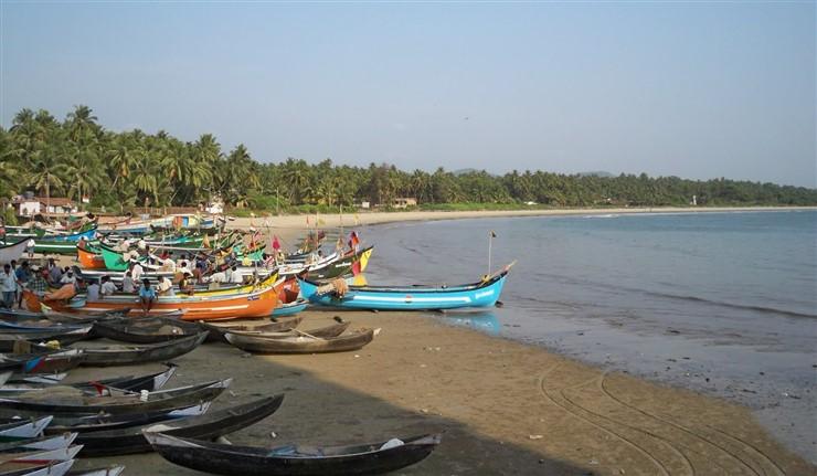 Murudeshwar Beach, Mangaluru. Image source Thom's Blog