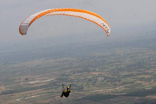 Paragliding in Nandi Hills. Source Flickr