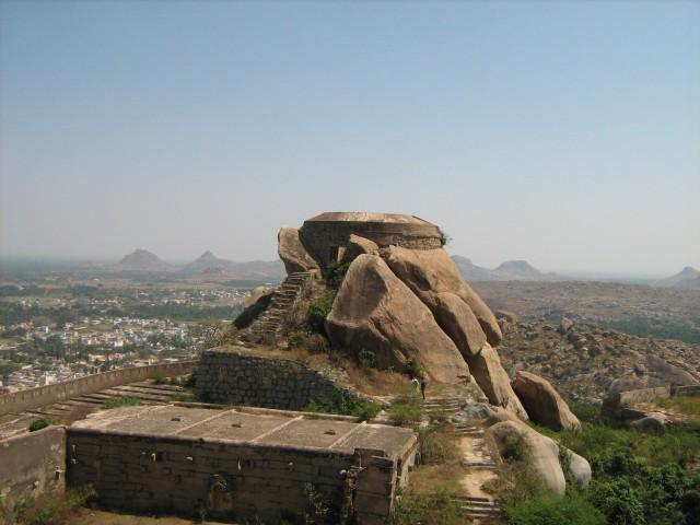 Madhugiri Fort. Image source King Nutin