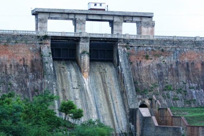 Nugu Dam. Photo courtesy Dilip http://www.flickr.com/photos/30882283@N02/3561079103/