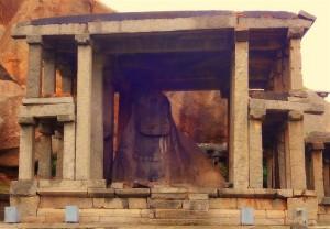 Monolithic Bull (Yeduru Basavanna) at east end of Virupaksha Bazaar, Hampi. Photographer Manikanteswar Madala